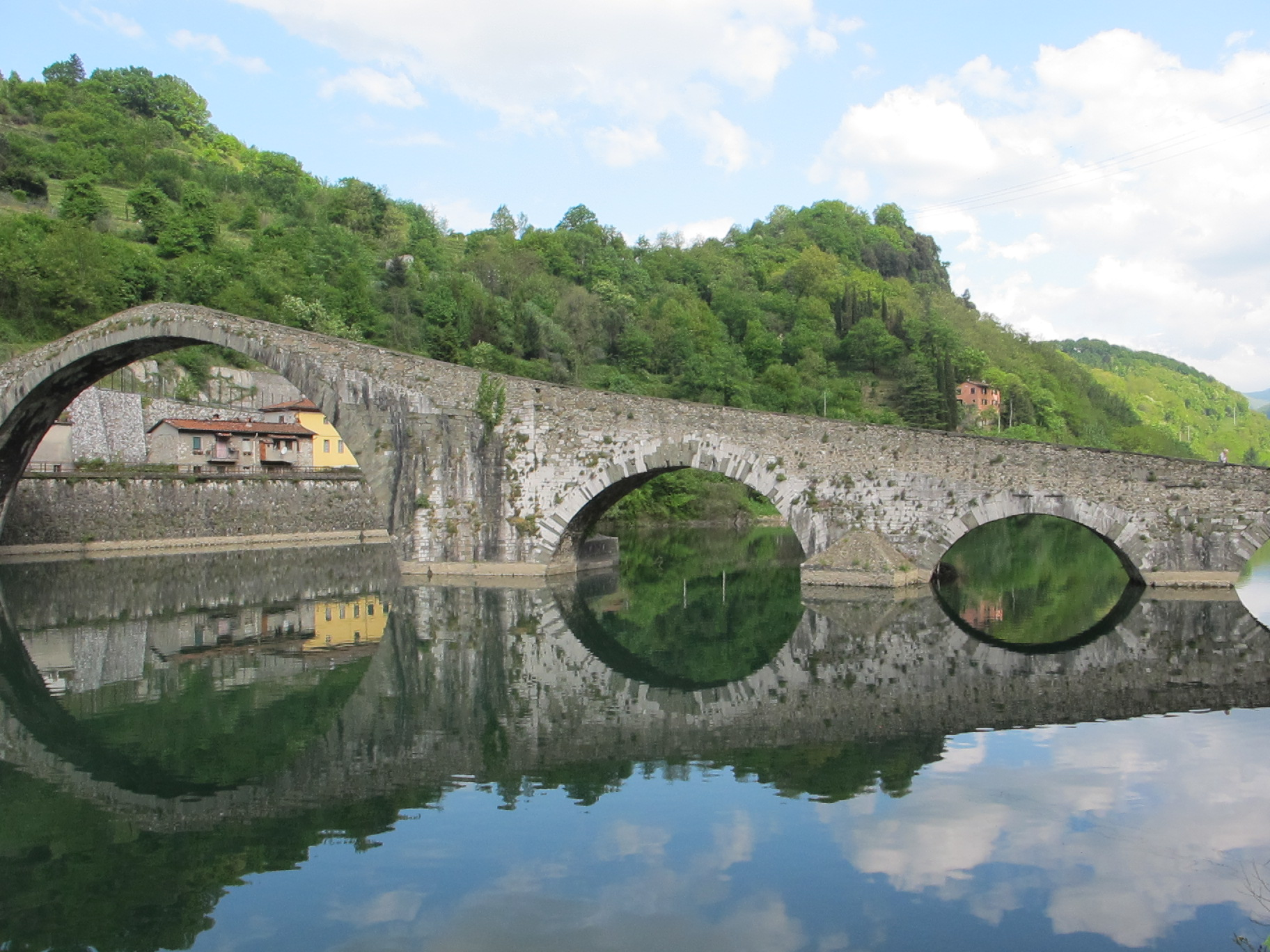 Ponte della maddalena devil s bridge bella bagni di lucca - Bagni di lucca ...