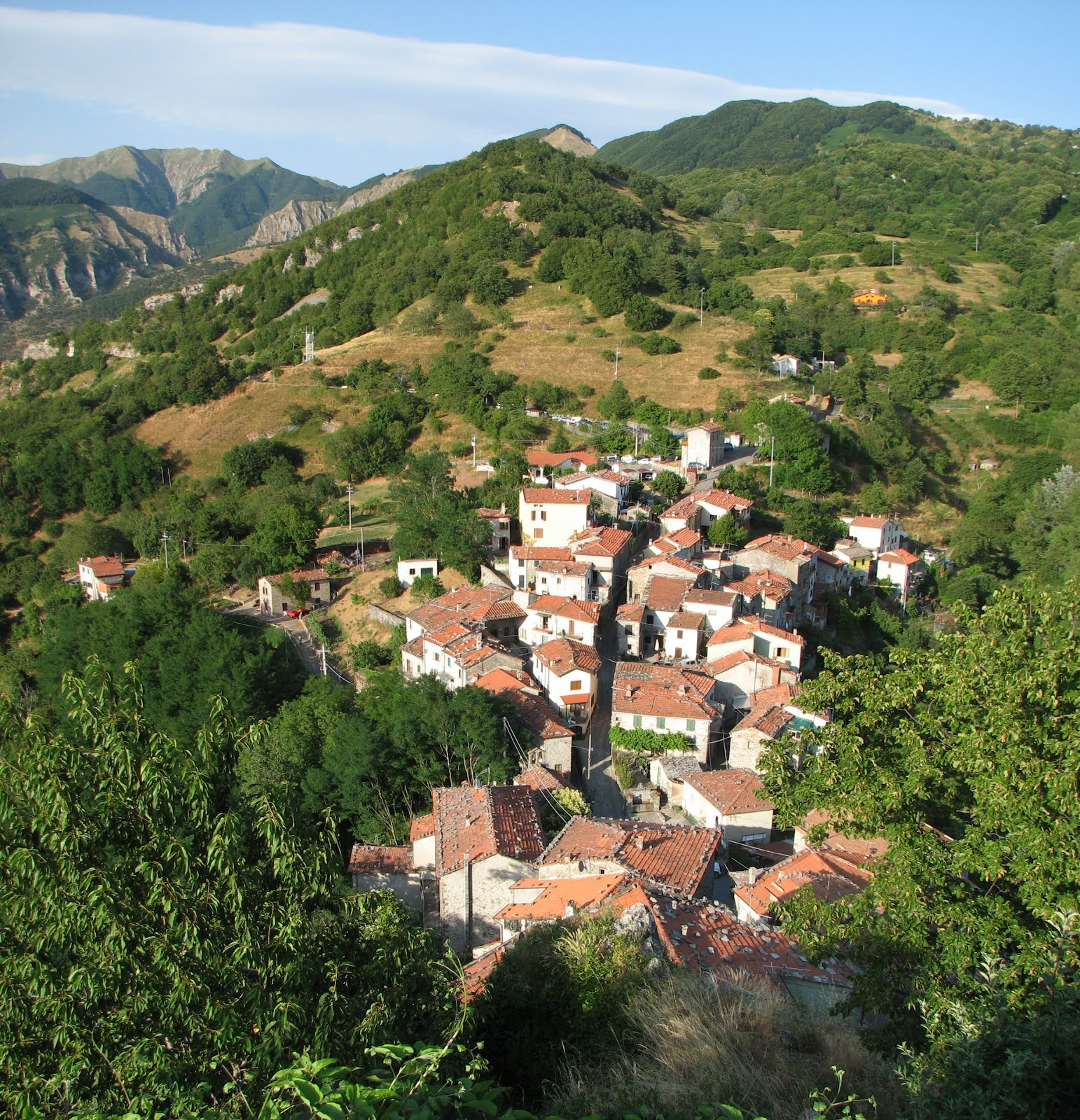 A celebration of dante alighieri in montefegatesi bella bagni di lucca - Bagni di lucca ...