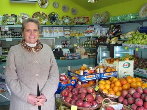 20121011-062305.jpg Patrizia La Villa