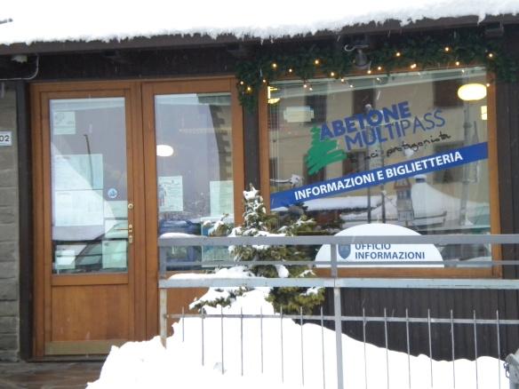 4. Ski pass and info  Abetone