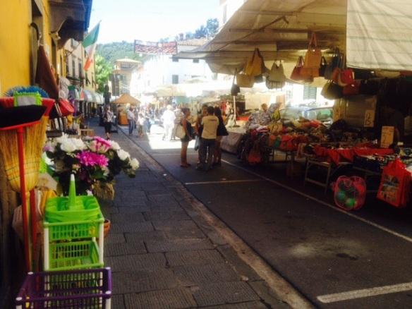 Bagni di Lucca market