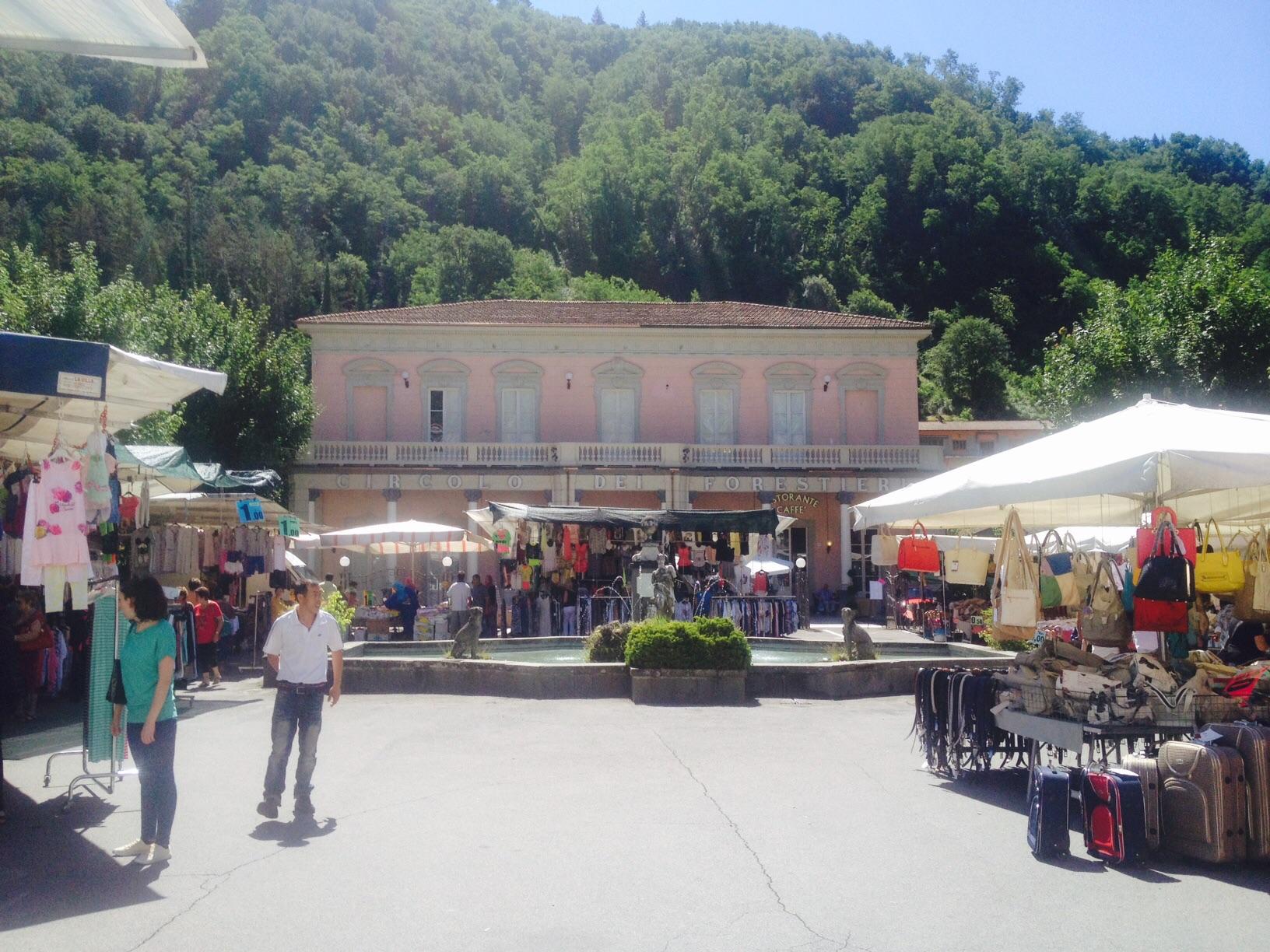 Market day in bagni di lucca bella bagni di lucca - Bagno di lucca ...