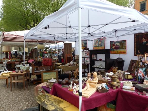 Lucca antique market