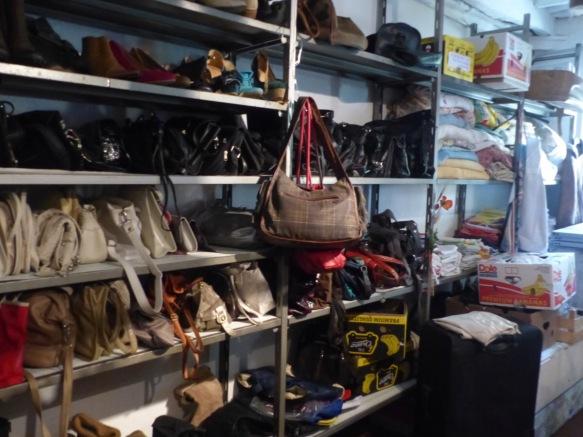 Charity shop Ponte a Serraglio